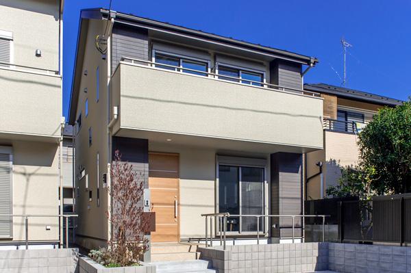 住宅地の総二階住宅