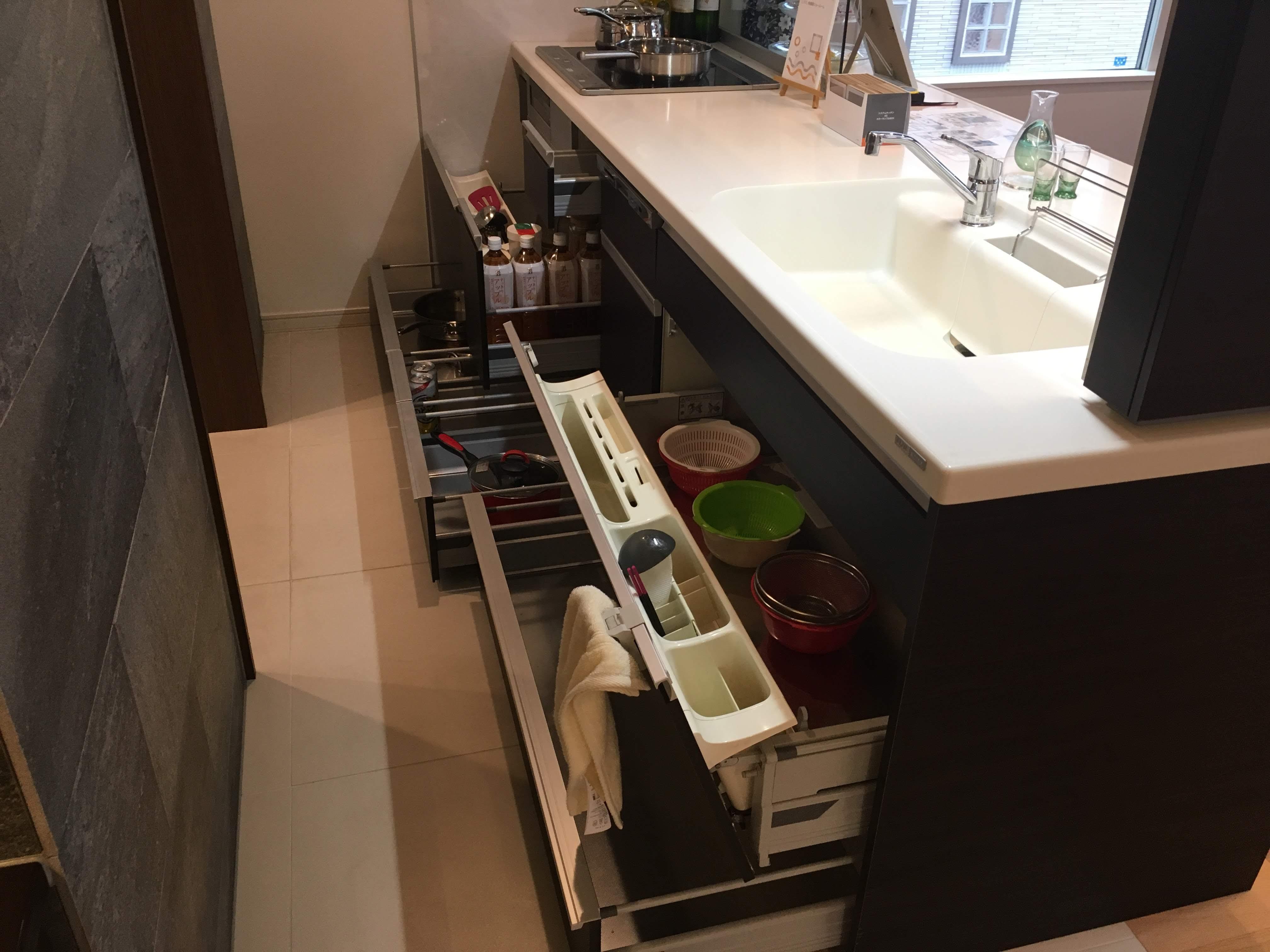 シンク下のキッチン収納